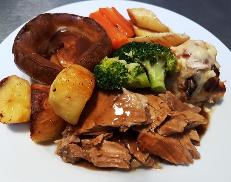 Sunday Roast at Hamptons